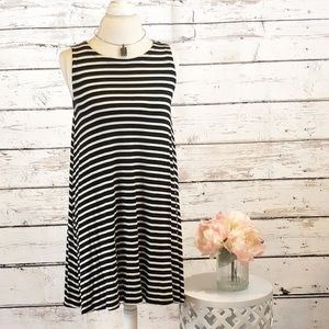 Loft dress EUC sz MP black and white stripes
